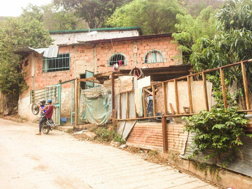 Vista de la casa de Neyi e Ismael desde la calle