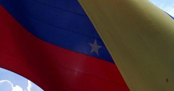 flag-2156703_640