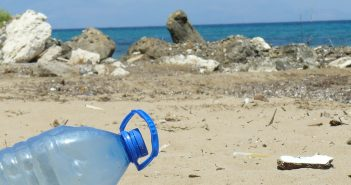plastic-bottle-606881_1280